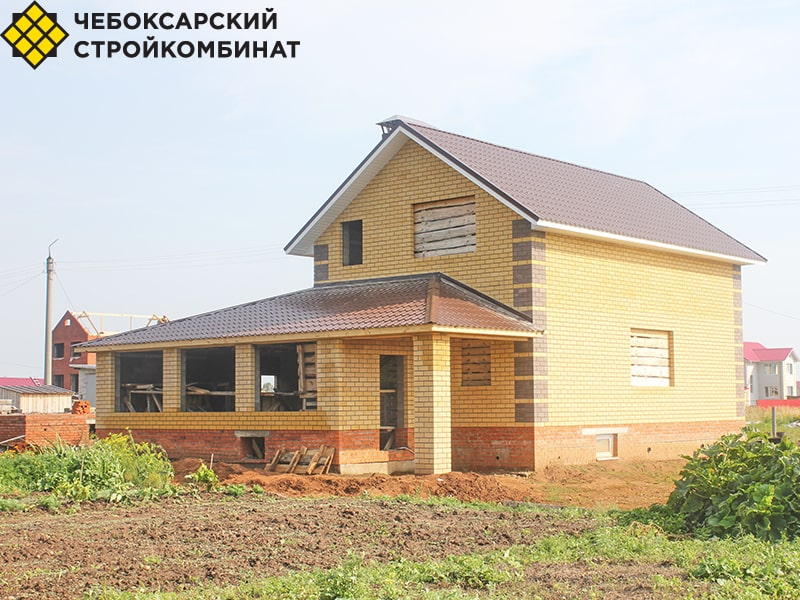 Дом из блоков с террасой